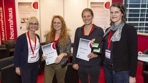 Frauen bei Docs on the run Infostand Infoveranstaltung
